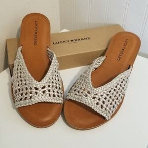 Lucky Brand 8.5m woven slip on sandals NIB